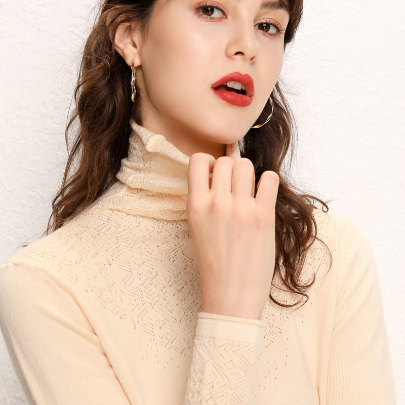 Chan Lai AI high neck sweater slim long sleeve bottom coat short cut-out Pullover pile neck T-shirt in autumn and winter