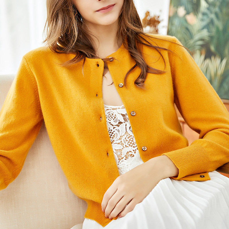 Pure cashmere sweater Korean version 21 spring and autumn new loose short round neck yellow knitting cardigan lazy wind sweater women