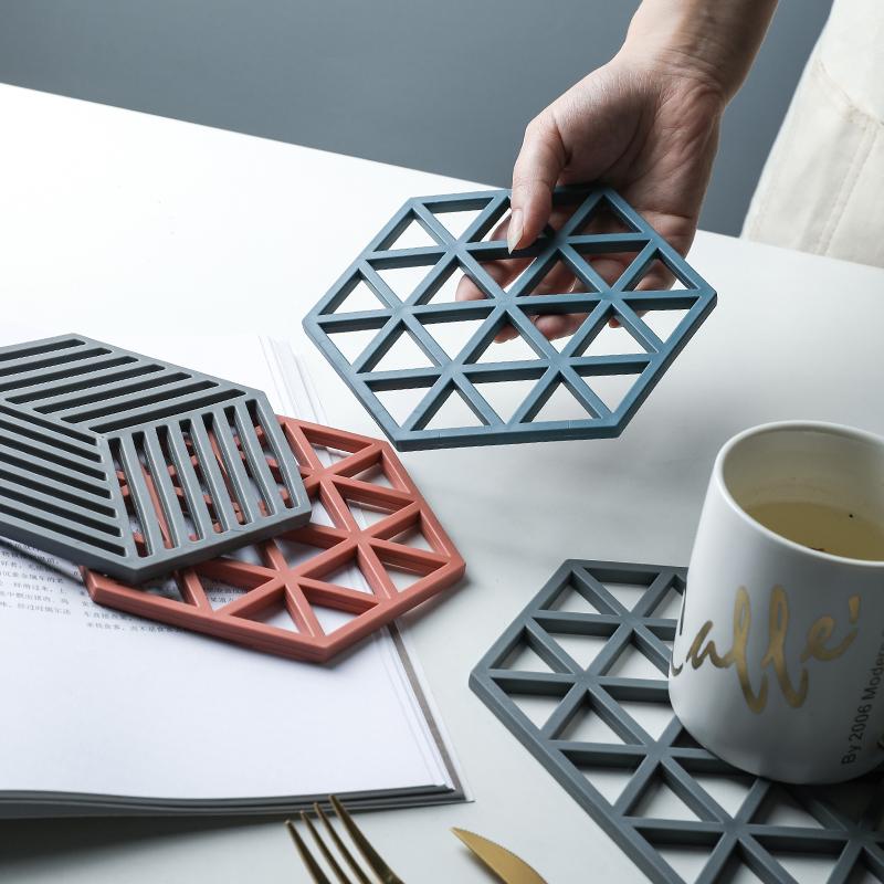 舍里耐高温镂空硅胶隔热家用餐桌垫