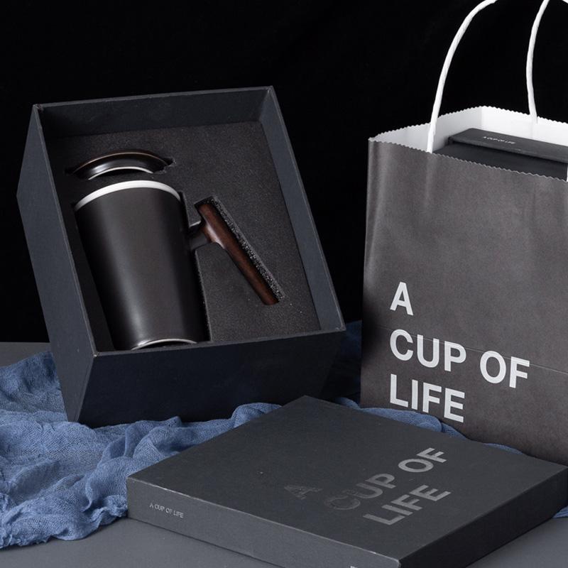 木柄马克杯陶瓷杯子带盖大茶杯办公室过滤泡茶杯茶水分离水杯定制图片