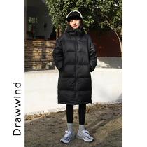 画风drawwind羽绒服女冬中长款黑色爆款连帽时尚纯色过膝加厚外套