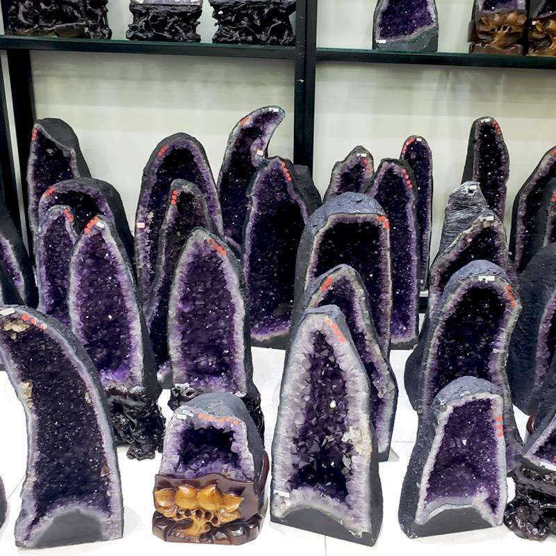 Crystal Cave fortune ornaments natural amethyst cave degaussing Amethyst cave raw stone purification and transfer purple gold cave cornucopia