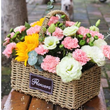 伊宁市西大桥香水湾上海城斯大林街滨河家园鲜花店蛋糕店速递玫瑰