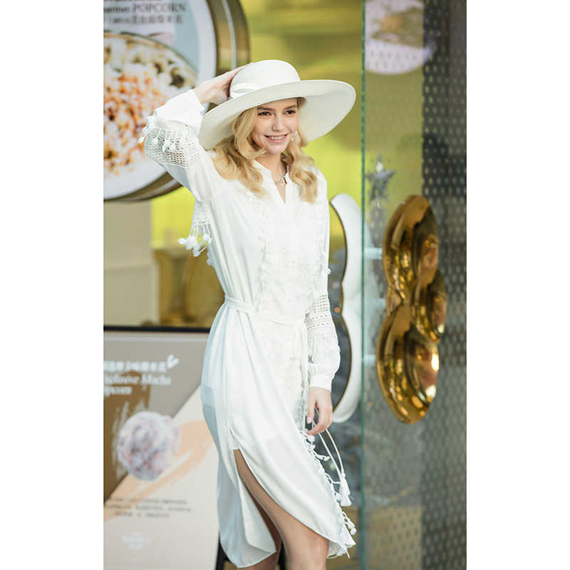 [straw hat] round top, big brim, bow bow, elegant model hat, fashionable sun visor for childrens holiday on the beach