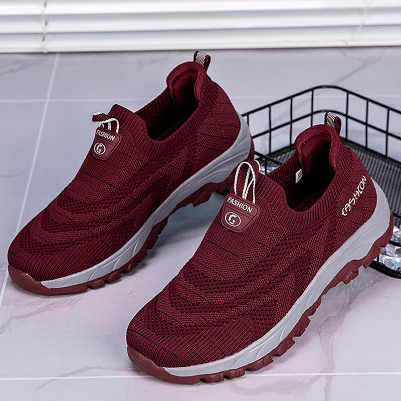 Comfortable old Beijing cloth shoes womens walking shoes for middle-aged and old people in summer