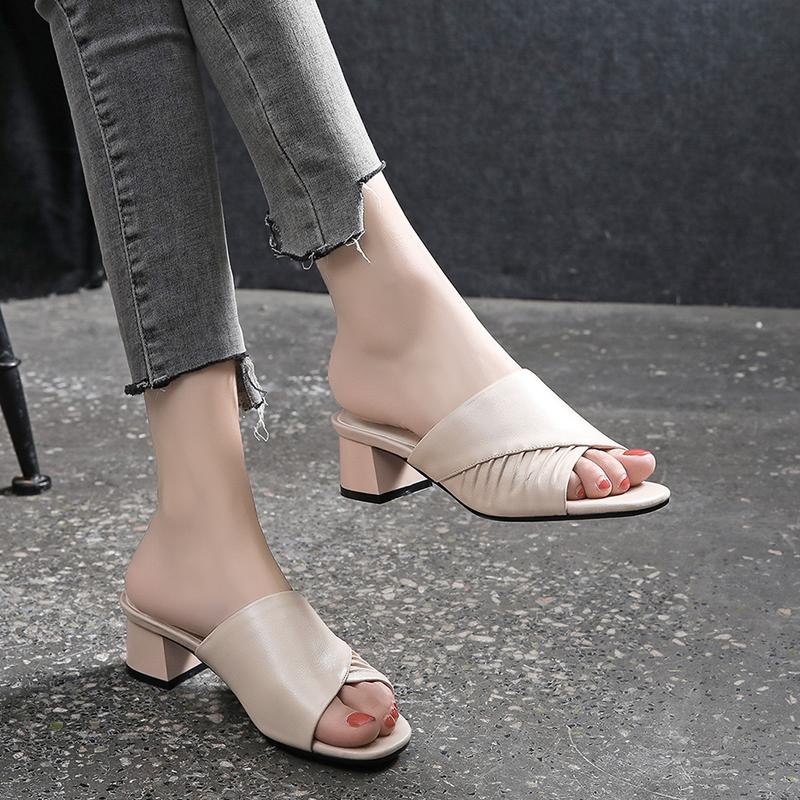 凉拖鞋女粗跟2021新款夏季真皮露趾拖鞋女外穿中跟百搭粗跟女鞋子