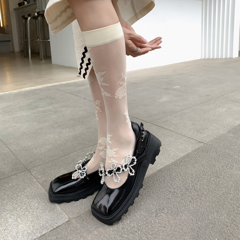 2021 autumn new sweet cool black small leather shoes, square headed muffin and Pearl Flower shallow mouth Lolita leather single shoes