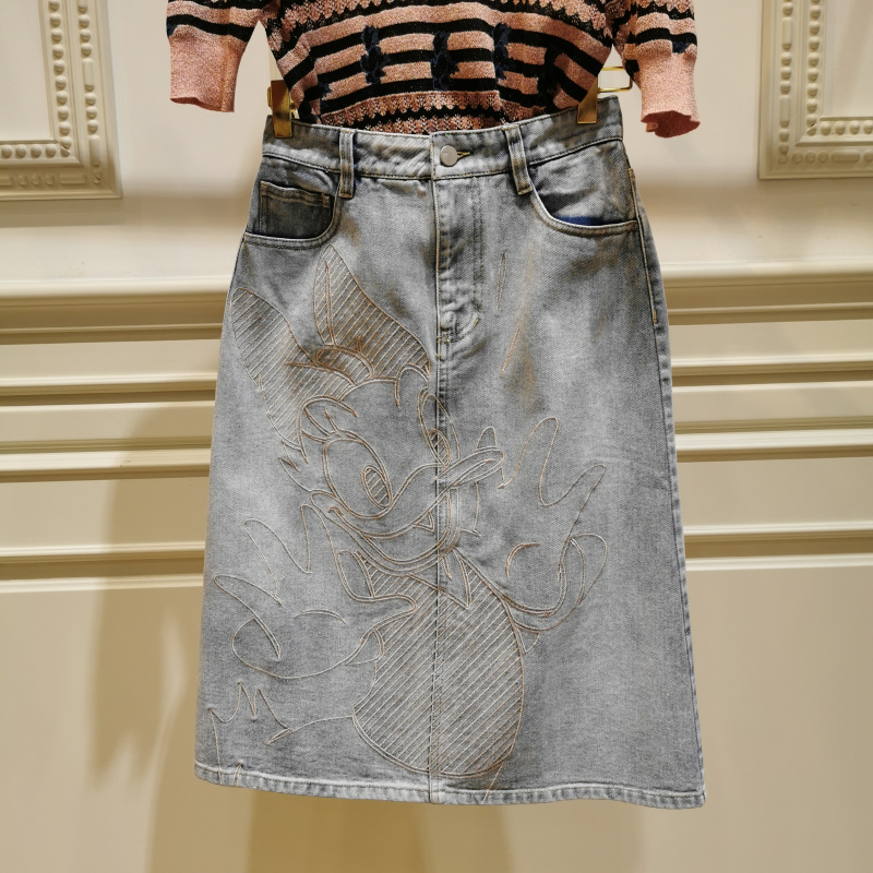 曼家专柜同款2021春季 百搭休闲唐老鸭刺绣牛仔半身裙女ML12EB085
