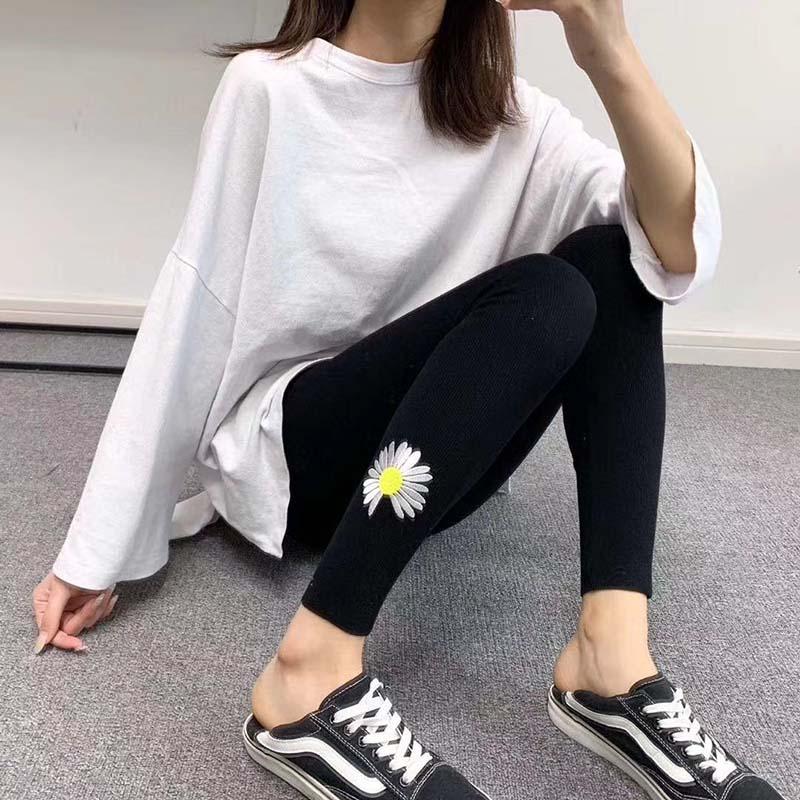 女2020春新网红小雏菊打底裤九分小脚