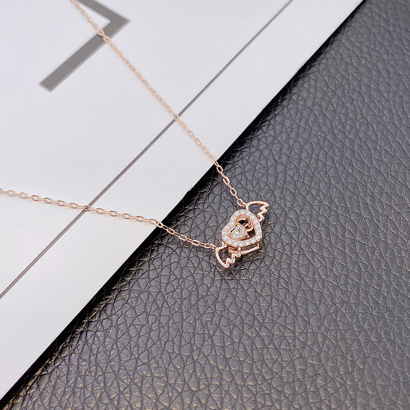 Angel wings beating heart s925925 Necklace wings love short clavicle chain small and exquisite super flash