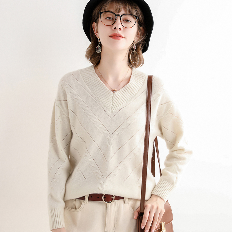 Woolen sweater women V-neck loose knit sweater popular hollow out short sweater solid color top bottom coat autumn winter new