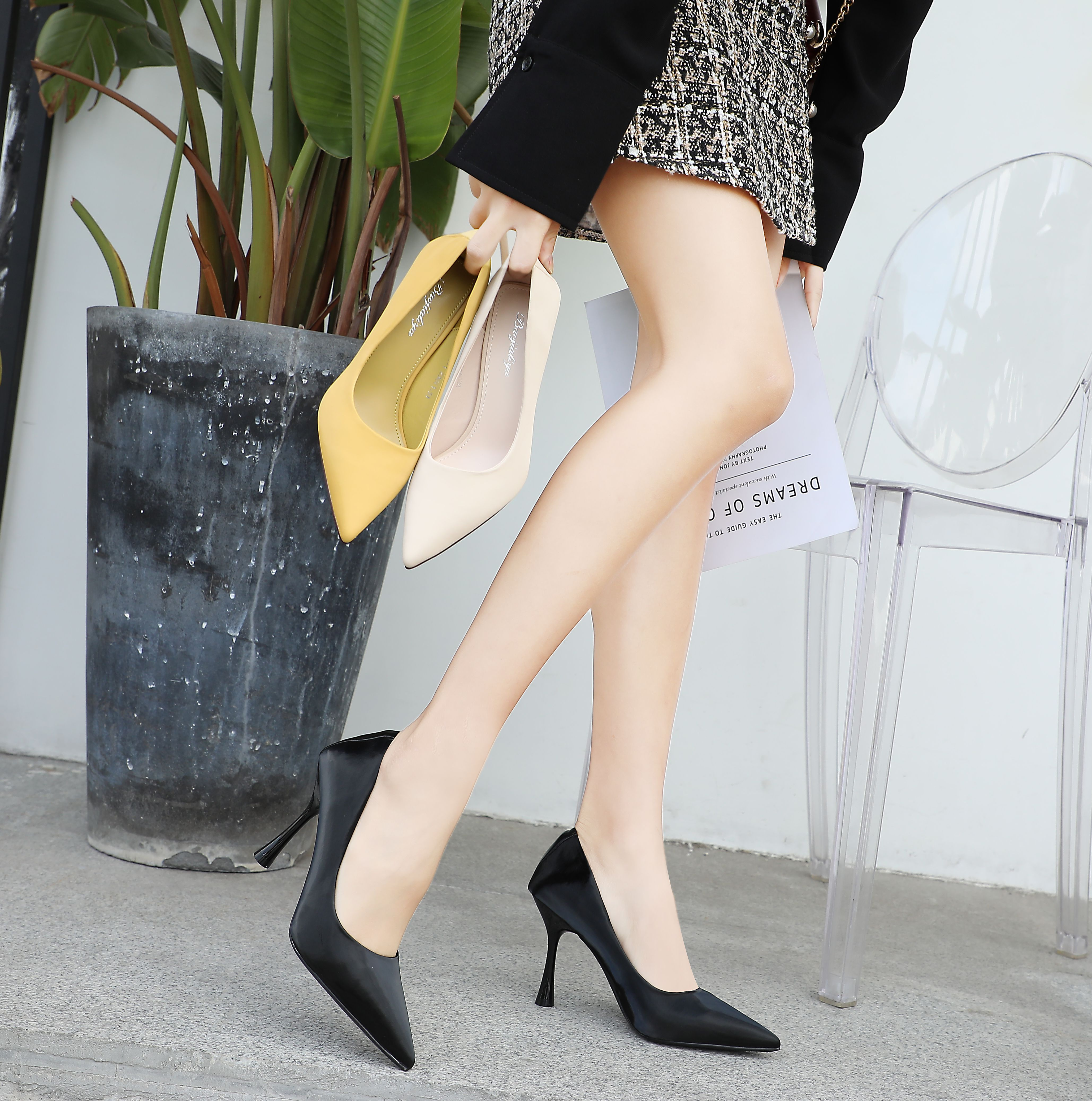 New silk satin high-heeled shoes with thin heel and pointed head and shallow mouth for professional ol dinner party womens single shoes
