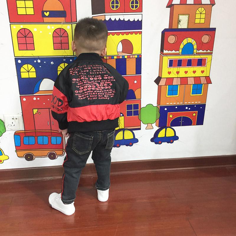 8085 红黑字母棒球服外套