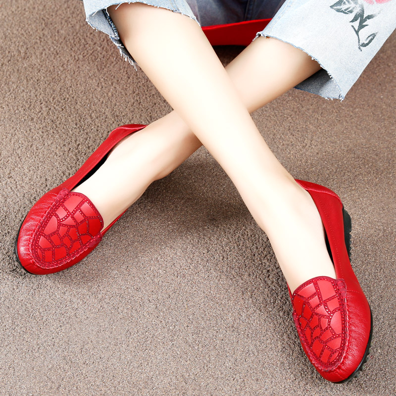 Spring single shoes genuine leather middle-aged and elderly leather shoes soft soled womens shoes comfortable mothers shoes flat soled shoes flat heel bean shoes womens shoes