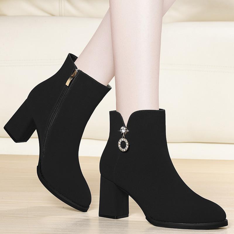 意尔康马丁靴女英伦风2018秋冬季新款高跟短靴女粗跟靴子女百搭冬