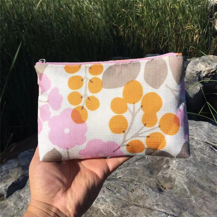 倩碧 粉色花朵黄色果实图案化妆包 尼龙布收纳包 手拿包 整理包