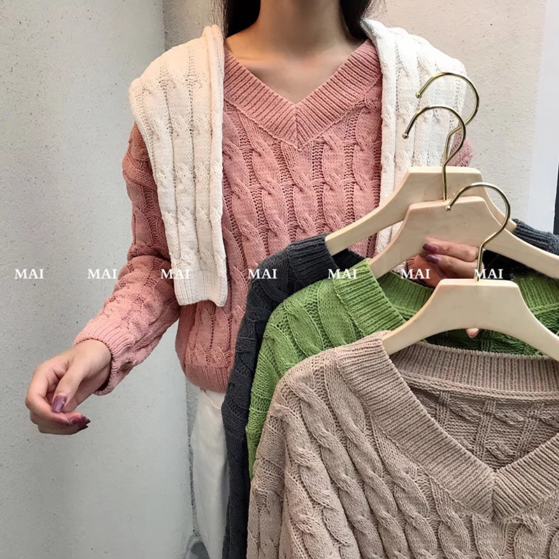 Long sleeve short twist V-Neck Sweater womens spring Korean loose high waist bottomed sweater top coarse wool solid color