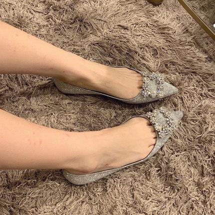 水钻方扣婚鞋女士2020新款红色绸缎尖头平跟鞋平底单鞋新娘鞋