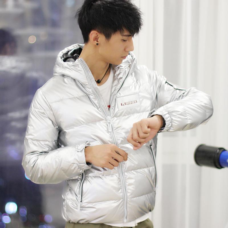 2019冬季新款修身轻薄款男生亮面羽绒服短款帅气连帽潮流韩版男装