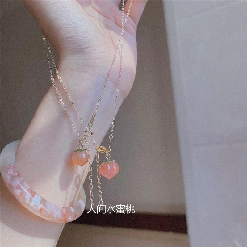 DU家原创可选色 水蜜桃子可爱小吊坠南红玛瑙锁骨项链包金银饰