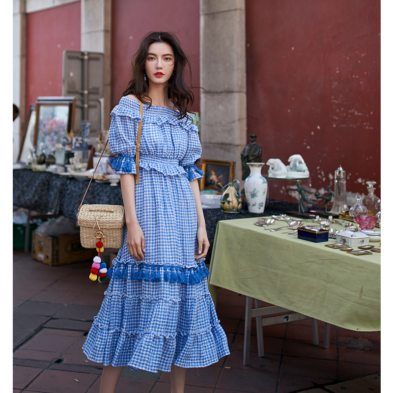 阿卡ARTKA-CITY系列夏季新品一字领复古格子收腰显瘦流苏连衣裙