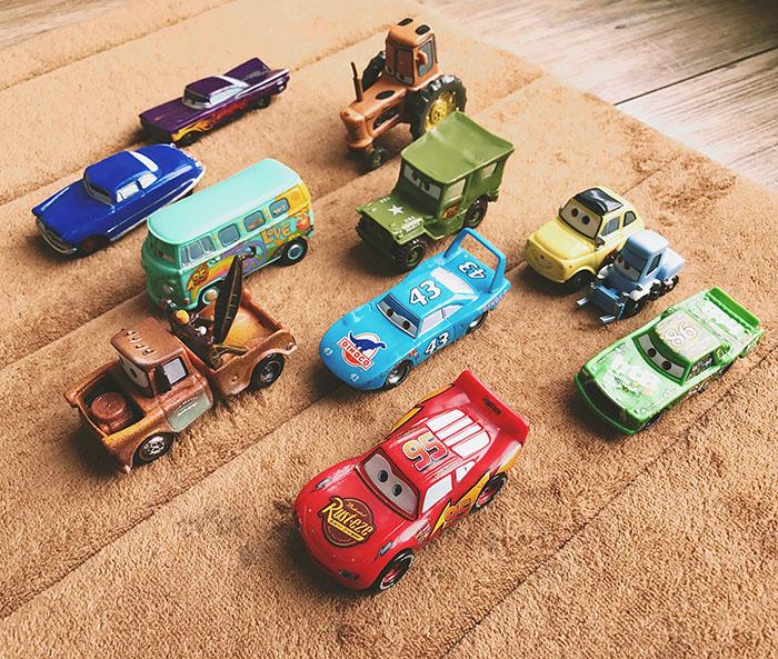 Автомобиль гоночный общая мобилизация автомобилей игрушка автомобиль молния маккуин баня автомобиль король дорога тиран подлинный подлинный насыпной груз c6