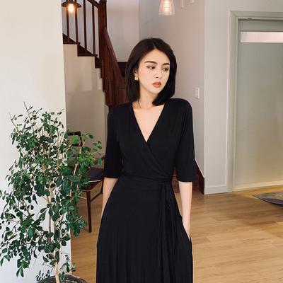 岛歌夫人2020新款女春秋修身显瘦气质高腰收腰黑色V领长裙连衣裙