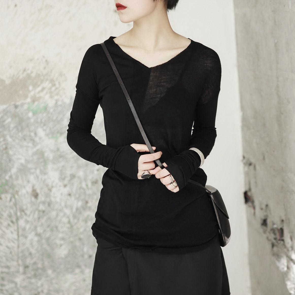 SIMPLE BLACK 春秋新款暗黑风V领拼接半透不规则长袖打底T恤