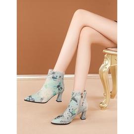 修足原创时尚印花马毛短靴女尖头高跟短筒民族风女靴大码40-41-43