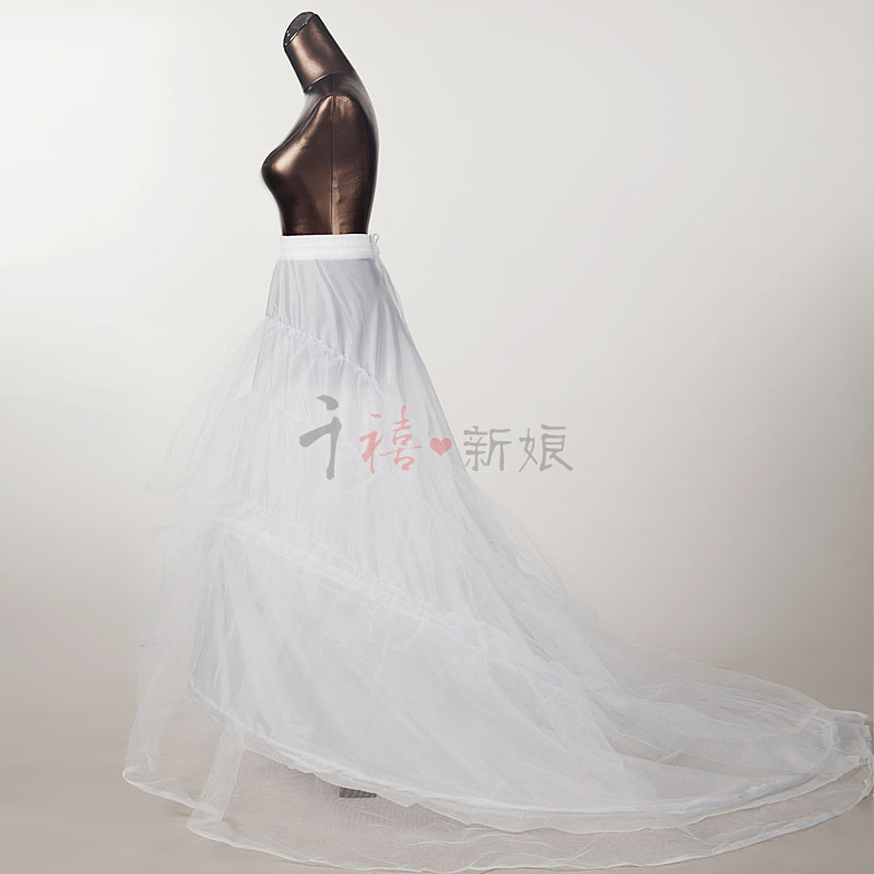 (size missing) brides' big tailing wedding dress skirt supporting petticoat wedding support accessories tailing skirt lining big skirt
