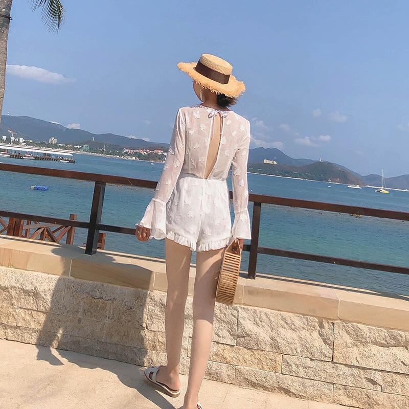 泰国连衣裤白色雪纺露背沙滩连体裤女夏高腰显瘦海边度假阔腿短裤