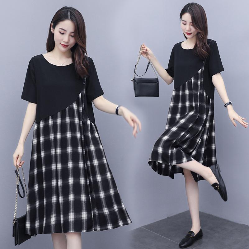 大码女装新款夏季胖mm中长款宽松格子小众黑色连衣裙200斤裙子