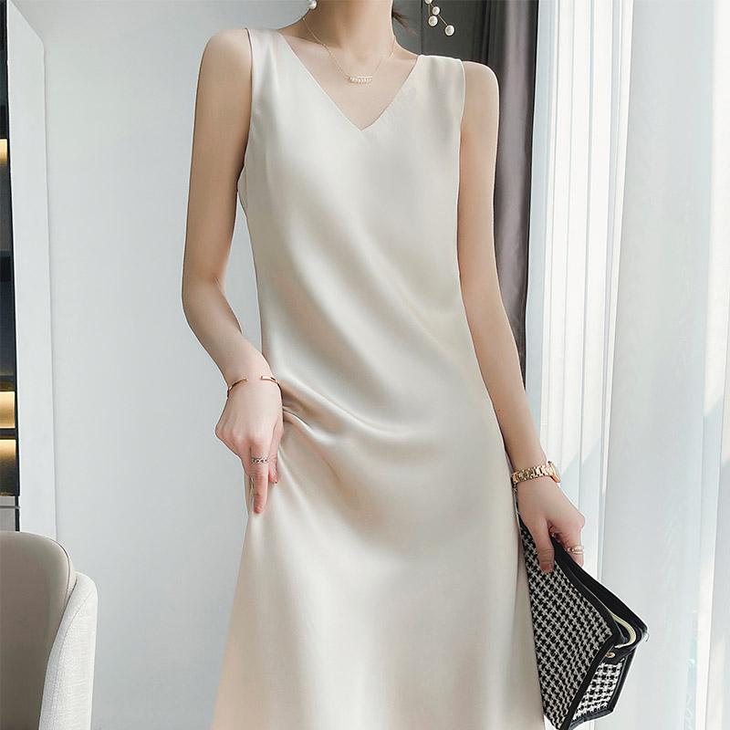 高级感真丝吊带连衣裙女春夏醋酸缎面中长裙内搭丝绸无袖气质