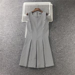 欧美款 夏秋季新款  黑白圆点图纹 无袖背心大码连衣裙
