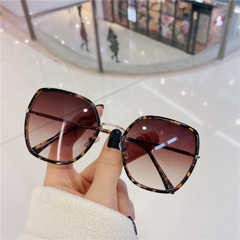 Gradient retro irregular net red glasses fashion mens and womens Sunglasses Korean ocean film versatile Sunglasses