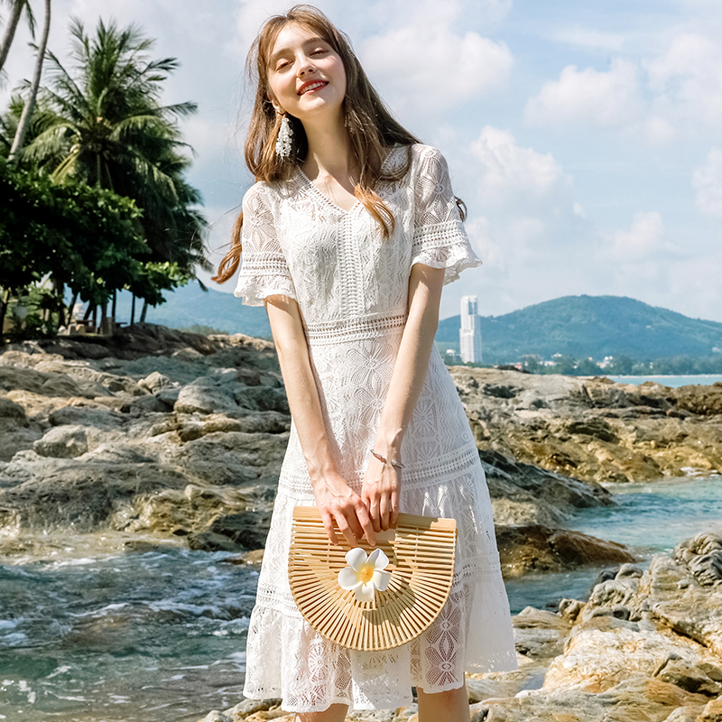 White lace dress 2020 new summer women V-neck, waistband, thin hook flower and fairy A-line medium length skirt