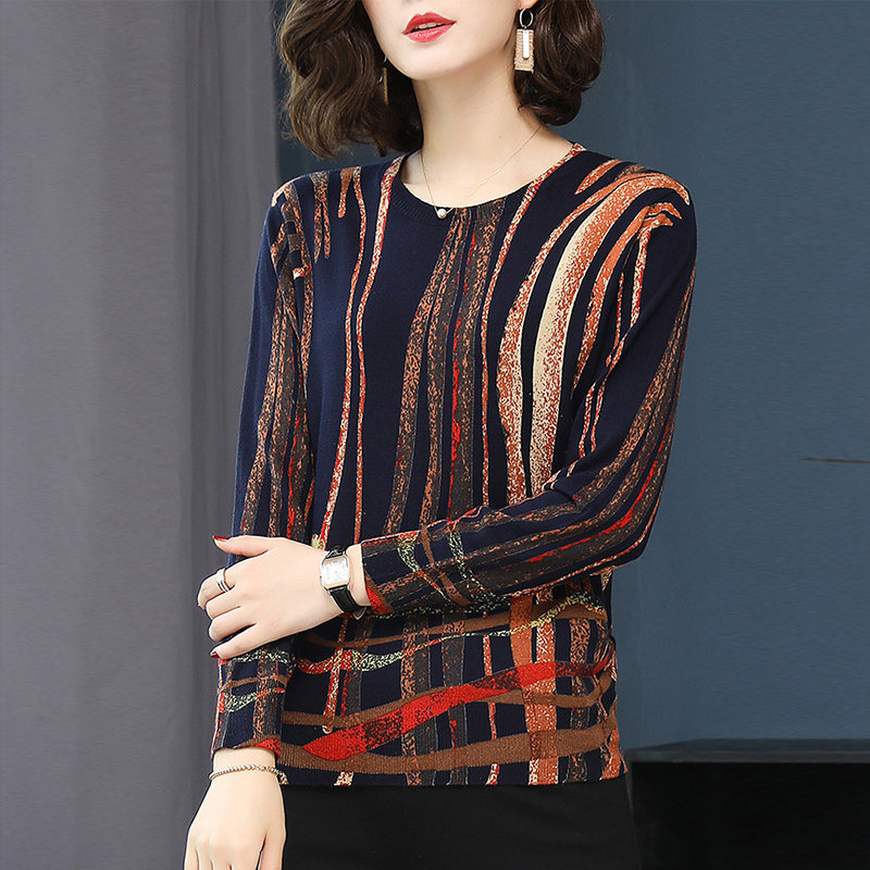 Autumn and winter 2021 Hengyuanxiang middle-aged and elderly large stripe thin sweater womens loose printed long sleeve round neck sweater