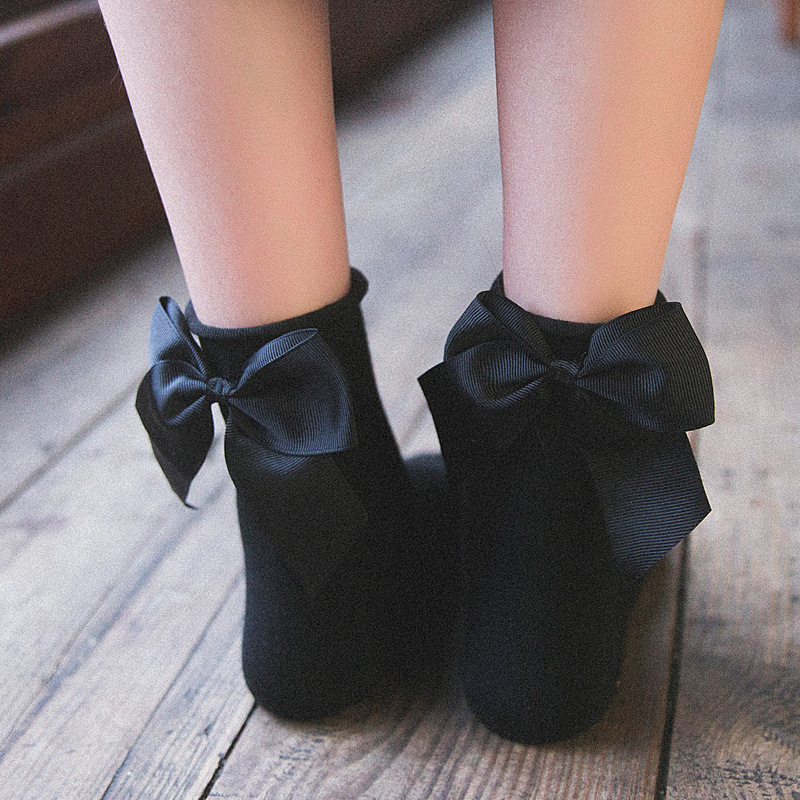 Six pairs of wrapped Japanese socks, childrens curled heels and bows, Sens sweet and lovely girl Lolita middle tube socks