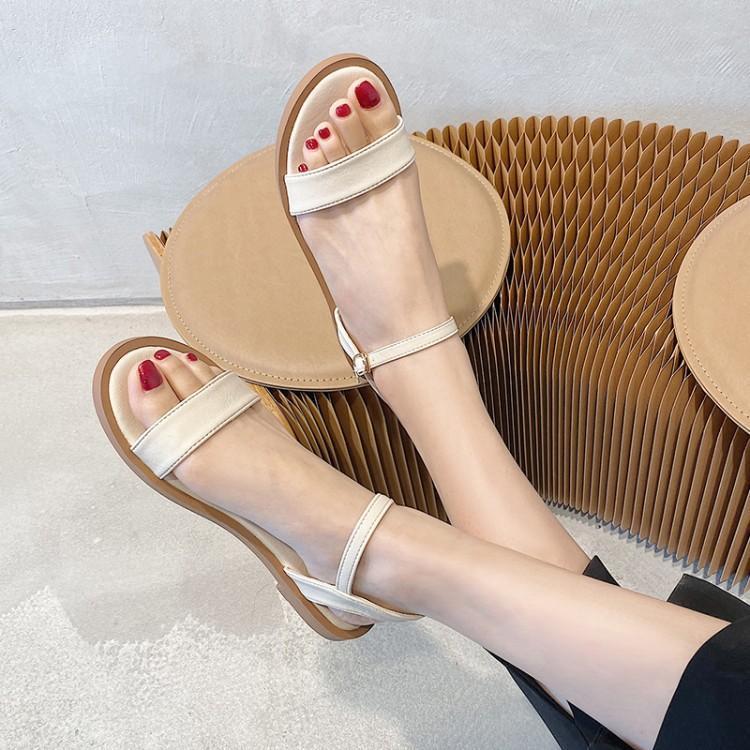 Net red sandals womens flat shoes summer 2020 new Korean versatile student simple fairy beach shoes fashion