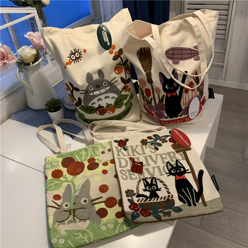 Japanese single canvas embroidery exquisite embroidery cartoon cute chinchilla handbag