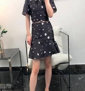 地系列专柜清仓2019夏装时尚鱼尾半身裙高腰修身百搭短裙女G4175