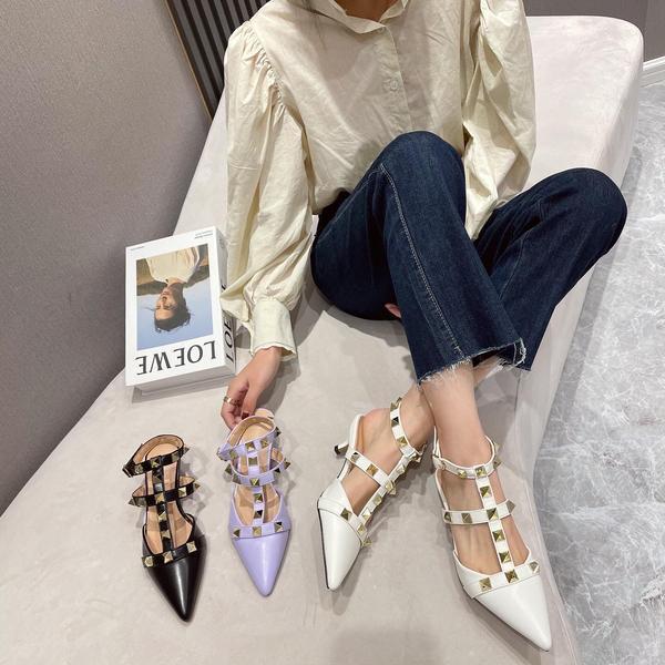 TS52830#春季新品尖头高跟铆钉凉鞋女鞋