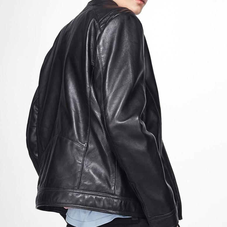 毛皮の服は袖を変えて服の長さを変えて胸囲のウエストを変えます。