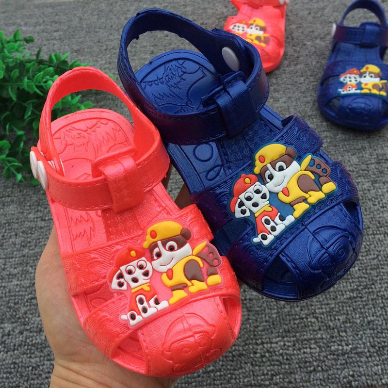 0-3歲夏季嬰兒童包頭涼鞋防滑防尿軟底塑料幼兒園男女寶寶學步鞋