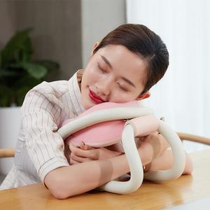 柔先生抱抱散压枕办公室午睡枕