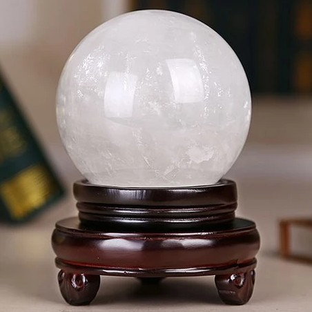 Natural crystal ball new gem natural white crystal ball ornaments attract money, transfer evil spirits, Feng Shui responds to requests, including mail