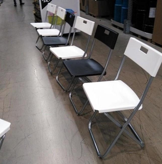 宜家冈德尔 折叠椅餐椅办公椅会议椅休闲椅 白/黑色便携轻易搬