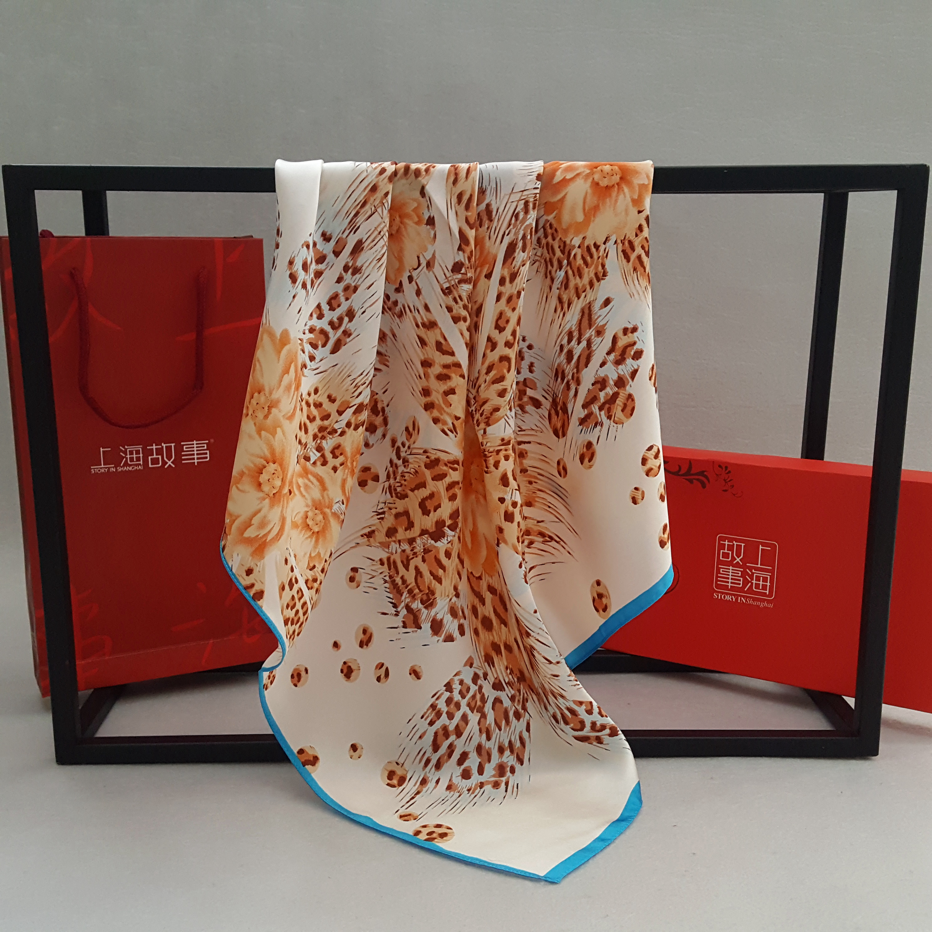 Two parcels of Shanghai stories silk real silk scarves small square scarves female spring and autumn professional real silk scarves patterns
