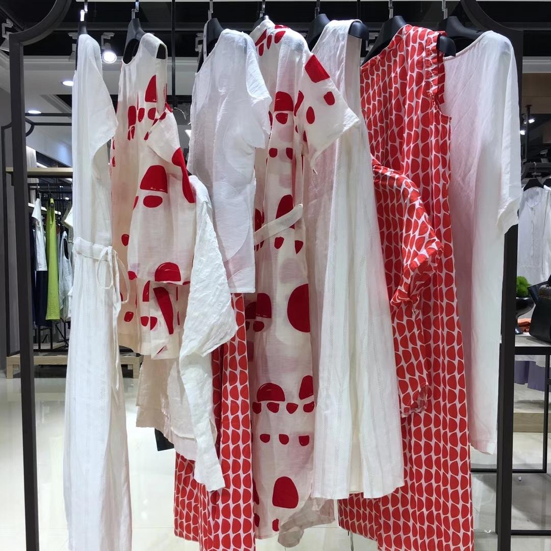 商场专柜撤柜休闲大码连衣裙气质棉麻特价打折女装