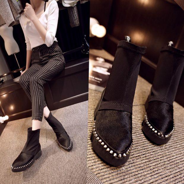 2017春の欧米新商品の加絨マーティン靴の平地とファッション的なショートブーツの100足の女性靴